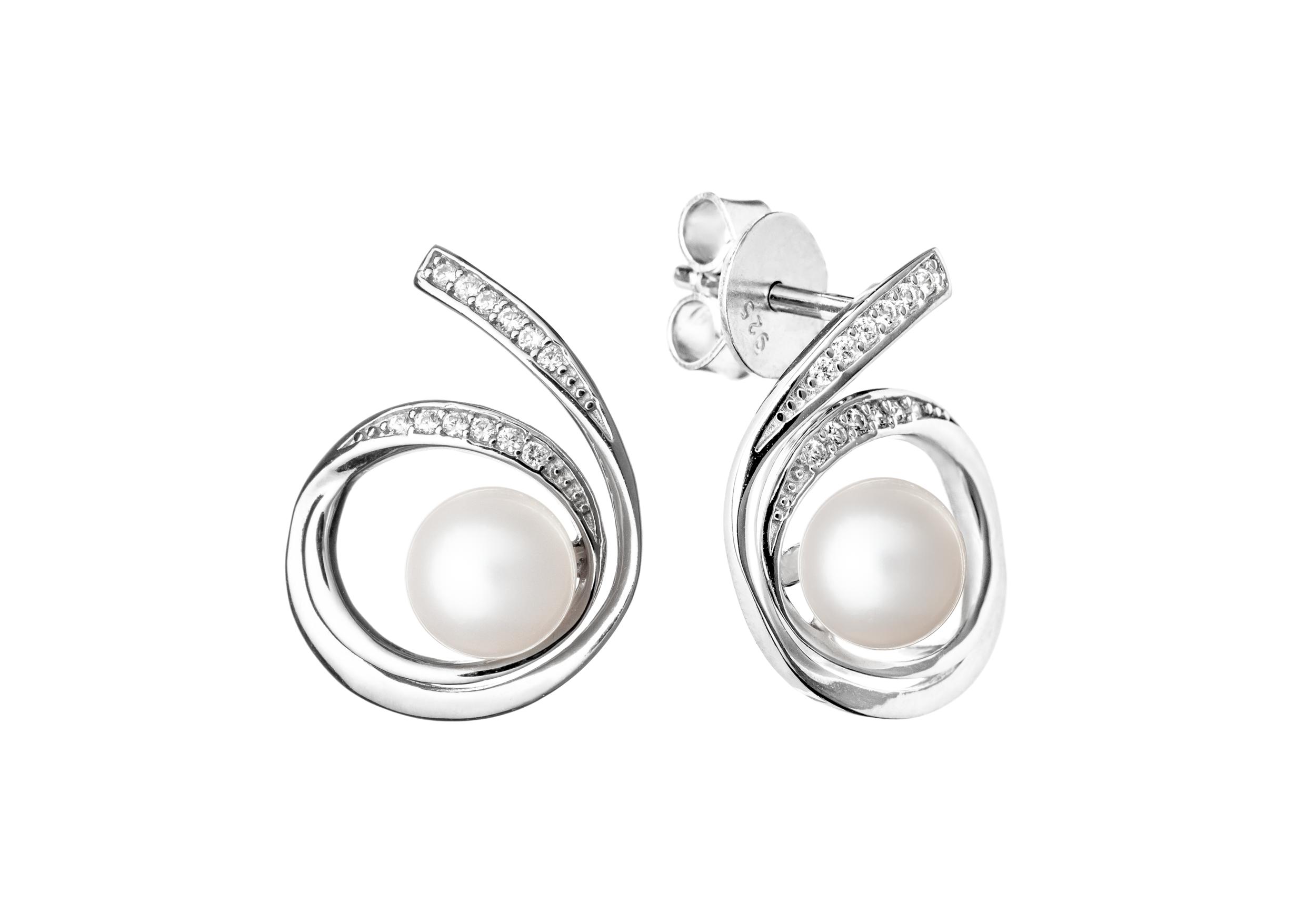 Šperky s pravými říčními perlami