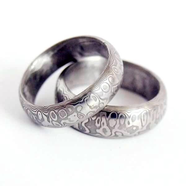 Snubní prsteny kovaná nerezová ocel damasteel DA-1002 (Snubní prsteny kovaná nerezová ocel damasteel DA-1002)