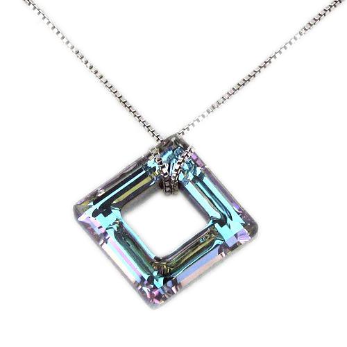 Náhrdelník Cube Vitrail Light Crystal E014 (Made with Swarovski® Elements)