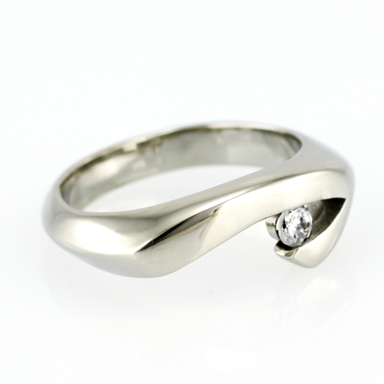 Prsten z chirurgické oceli SRI-5243