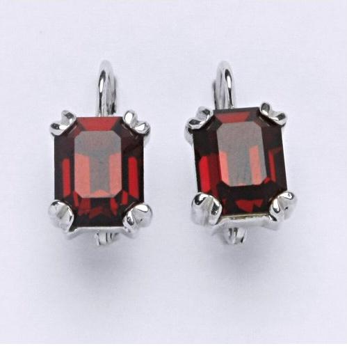 Stříbrné náušnice se Swarovski krystaly Siam (Stříbrné náušnice se Swarovski krystaly )